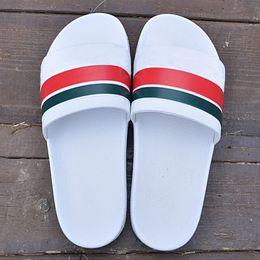 2019 billige markenmänner beiläufiges leder Top Qualität Europa Luxusmarken leder Billig Shiny Sandalen Beste Sandalen Familie casual schuhe männer Frauen sandalen Stiefel Größe 36-45 günstig billige markenmänner beiläufiges leder