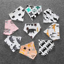 Querlager online-Baby Lätzchen Hohe Qualität Baumwolle Bär Fox Cross Cartoon Charakter Animal Print Baby Bandana Lätzchen Dribbeln Lätzchen
