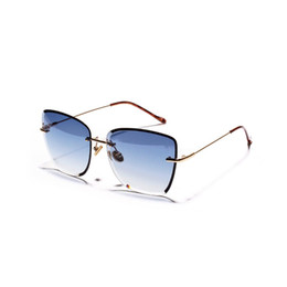Женский большой ящик онлайн-2018 Brand Design Diamond Big Box Square Sunglasses Female New Retro Ocean Transparent Color Sunglasses with Box NX