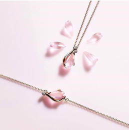 Wholesale Cherry Quartz - Jewelry brand Cherry necklace bracelet sets 925 silver rose quartz pendant collarbone chain pink crystal necklace gold chain bracelets