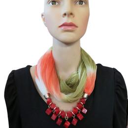 encantos cuadrados de tela Rebajas Moda Nueva llegada de Las Mujeres vintage Gradient Bufanda collar Resina Beads Colgante Bufanda Pequeño Gargantilla Collar Regalos de Navidad