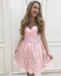 Corsets aux genoux en Ligne-2018 arabe court une ligne rose robes de soirée belle chérie dentelle appliques longueur au genou corset pour cocktail junior robes de bal