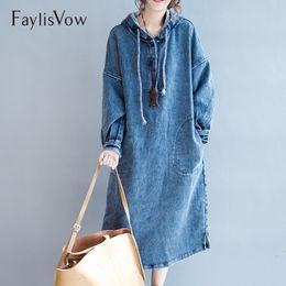 Denim-taschenkleid online-Oversize Blue Denim Kleid Herbst Winter Frauen Lose Hoodie Langarm Maxi Kleider Mit Kappe Große Größe Jeans Taschen Kleid