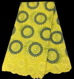 2019 швейная хлопчатобумажная вышитая ткань Бесплатная доставка (5 ярдов/шт) горячие продажи желтый Африан хлопчатобумажной ткани тонкой вышивкой швейцарский вуаль кружевной ткани платье CLS01-1 дешево швейная хлопчатобумажная вышитая ткань