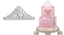 coroa do cortador do bolinho Desconto New Home 2 pcs Coroa Conjunto De Plástico Fondant Cutter Bolo Mould Biscuit Cookie Cupcake Ferramentas de Decoração Sugarcraft Bolo Topper Bakeware