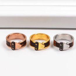 2019 оптовые кольца стерлингового серебра 316L из нержавеющей стали ювелирные изделия V любовь кольца дизайн ювелирных изделий любовника кольца позолоченные