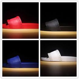 heiße Marke Mann-Strand Slide Sandalen Medusa Scuffs 2019 Slippers Mens schwarz weiß rot Beach Fashion Slip-on-Designer Sandalen 38-46 von Fabrikanten