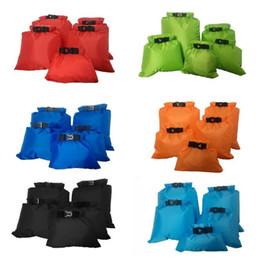 Sacs de rangement pour manteaux en Ligne-7 couleurs 5pcs / set enduit étanche poche de stockage de sac sec silicone tissu pression rafting canoë nautisme sac sec CCA10373 30set