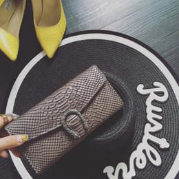 carteira feminina de três vezes Desconto Novo 2018 saco de carteiras femininas versão Coreana crocodilo grão snakehead lockable bolsa de moda três vezes longo clipe cruz retro carteira mulheres