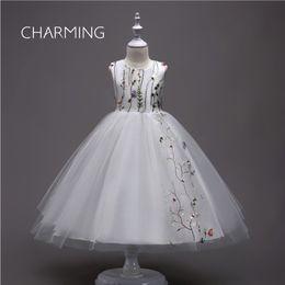 Dresse da flor branca on-line-Vestidos de festa branca vestido de baile vestido da menina de flor vestido bordado designer vestidos tutu dresse s vestidos de formatura