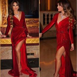 Velours rouge foncé robe de soirée de bal 2019 sirène haute fente col en V profond manches longues robe de soirée de célébrité sur mesure, plus la taille ? partir de fabricateur