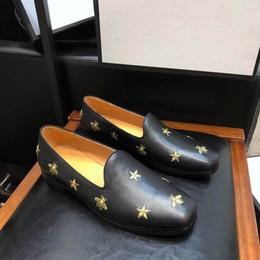 Canada Marque de luxe robe d'affaires chaussures pour hommes classiques en cuir noir abeille star chaussures de mariage gentleman casual hommes chaussures livraison gratuite 40-44 taille cheap stars wedding dress Offre