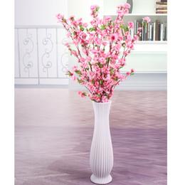 Bouquet di nozze di pesca online-Peach Blossom Decoration Silk Spring Plum Peach Blossom Branch Albero di fiore di seta per la festa nuziale Decori bouquet di fiori per la nuova casa