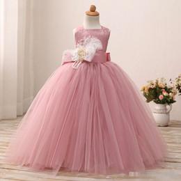 bola de pena barato Desconto Meninas Vestidos de Baile Flor Meninas Vestidos Com Correias Espartilho Pena Voltar 2018 Rosa Tule Baratos Vestidos De Casamento Rendas Ruched