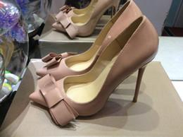 Красное дно Обувь женская 12 см тонкий железный каблуки бежевый натуральная кожа остроконечные Toe насосы, дамы роскошные свадебные платья размер обуви 34-42 от Поставщики бежевые каблуки