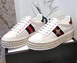 Canada Femmes baskets original mode marque classique en cuir de luxe ins chaud abeilles strass brides à semelles épaisses bretelles chaîne chaussures de voyage cheap rhinestone straps Offre