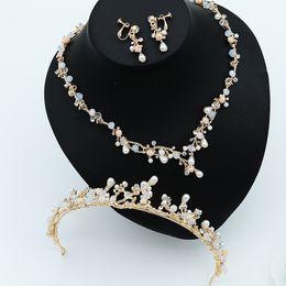 Coronas de baile de calidad online-Alta calidad delicada hecha a mano de oro nupcial nupcial sistemas de la joyería princesa corona collar pendientes chica boda noche fiesta de fiesta accesorios