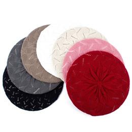 Berretti da donna 2018 New Autumn Berretto in lana acrilico lavorato a maglia per donna Womans Artista francese Red Berets boinas para mujer GS113C cheap red knit beret da berretto rosso maglia fornitori