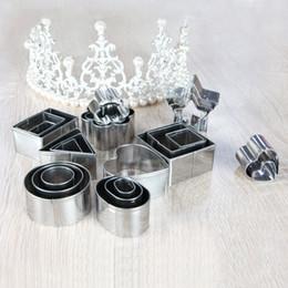 Set emporte-pièces en acier inoxydable en Ligne-24pcs / set 304 emporte-pièce en acier inoxydable Set de pâtisseries pour pâtisseries Mini forme géométrique emporte-pièces pour cuisiner
