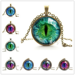 Wholesale Vintage Pendants For Necklaces - choker 2018 Vintage Jewelry Wholesale Blue Green Cat Eye Necklace Pendant Fashion Charming Rhinestone Ethnic Necklace for Men Women