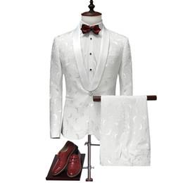 Vestuário para homens casamento branco on-line-Terno Homens 2017 Mais Recente Casaco Calça Designs Smoking Casamento Branco Para Homens Slim Fit Mens Ternos Impresso Roupas
