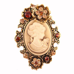 Wholesale wholesale cameo brooches - Fashion Antique Gold Silver Vintage Brooch Pins Female Jewelry Queen Cameo Brooches Rhinestone For Women Christmas Gifts