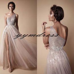 Vestidos de tul rosa online-Blush Rose gold Vestidos de noche para las mujeres Use apliques de encaje de cristal Abiye Dubai Berta High Split Tulle Lace Prom Party Vestidos 2018 Modest