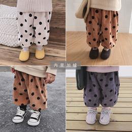 calça de veludo em veludo Desconto Baby Girl Inverno Onda Ponto Corduroy Calças Casuais Crianças Soltas Além De Veludo Calças Quentes De Veludo