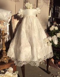 Robes de baptême gonflées en Ligne-Robes de baptême ivoire pour bébé fille appliques en dentelle robe de baptême avec manches courtes bouffantes