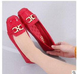 Wholesale Lady Lighters - Red doug shoes 2018 new famous designer brands lag single ladies fashion lighter paint flat shoes size 35 to 41