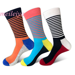 Wholesale MEI LEI YA Quality Mens Happy Socks Colors Striped Plaid Diamond Cherry Socks Men Combed Cotton Calcetines Largos Hombre