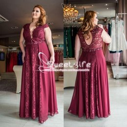 Wholesale Sexy Keyhole Tops - Modest Plus Size Dark Red Formal 2018 Evening Dresses With Short Sleeves Top Lace Keyhole Back Chiffon Floor Long Custom Made Prom Gowns