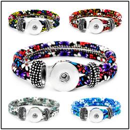 Wholesale Nuevo mm cuero Snap Strands botón pulsera Floral botón brazalete relojes Noosa DIY joyería para mujeres
