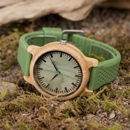 Wholesale bamboo bird - en's Watches Quartz Wristwatches BOBO BIRD Brand Bamboo Watches for Men and Women Silicone Strap Wooden Writwatches Ideal Gifts Items Rel...