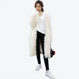 Deutschland Weiße Langhaar Strickjacke Frauen Kunstpelzmantel Winter Warm Kunstpelz Jacke Lange Elegante Mäntel Weiblich supplier fake white fur coats Versorgung