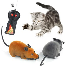 Wholesale pet rats - Funny Cat Toy Wireless Remote Control Mouse Electronic RC Rat Mice Pet Cat Toy Mouse Novelty Toys Gift DDA438