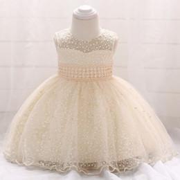 2018 nouvelle collection Bébé sans manches robe de baptême dentelle Bébé mois entier Star brodé princesse jupe perles robe de mariée champagne ? partir de fabricateur