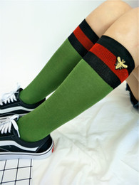 Wholesale Hip Hop Long Socks - 2018 Fashion Strip Bee Embroidery Knee High Long Socks Sports Hip Hop Stocking for Women Girls