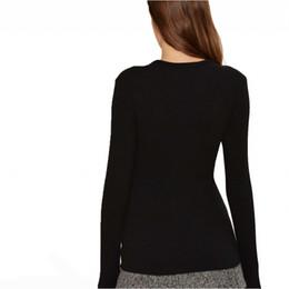 Tees de corte bajo online-HDY Haoduoyi Low Cut Neck Knitted Top Fashion Camiseta de manga larga Slim Fit para mujeres Camisas de otoño Bodycon negro Tee Tops