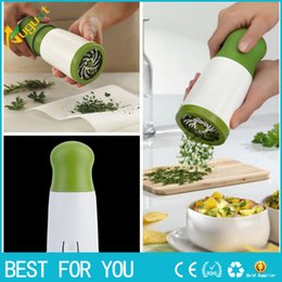 Wholesale Herb Chopper - Herb Parsley Micro-plane Mill Chopper Cutter Mince Stainless Steel Blades Plastic Body Safely