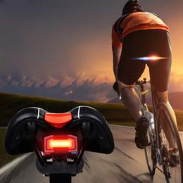 Inalámbrico inteligente luz de la bicicleta antirrobo alarma de advertencia de seguridad de la lámpara impermeable de la bicicleta trasera freno inteligente ciclismo luz trasera desde fabricantes