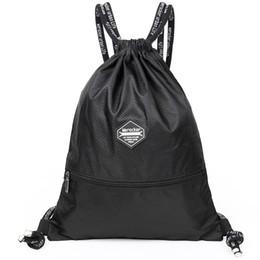 Sac à dos à cordon en toile sac à dos en toile étudiant masculin simple et léger sac de sport décontracté sac à dos ? partir de fabricateur