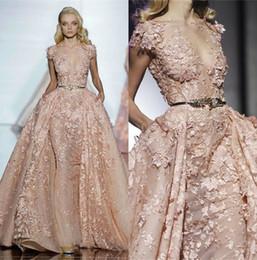 Zuhair Murad Elegant Blush Pink Prom Dresses With Overkskirt Exquisite Lace Applique Abiti da sera Partito Abiti formali Cinture a foglie Designer da