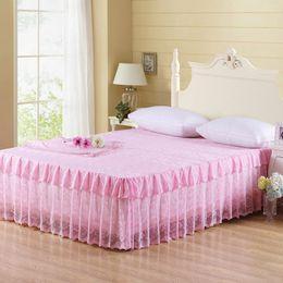 Спальные покрывала онлайн-1PC Lace Princess Bedspreads Blanket Duvet Cover for Sofa Bedroom Travel Coverlets Throw Emf Protection European Style Bed Sheet