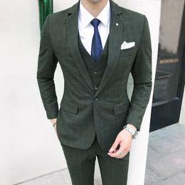 Зеленая клетчатая рубашка онлайн-2018 British Style Men Suit ( Jacket+Vest+Pant) Plaid Dress Slim Fit Suit Set Green  Prom Tuxedo Wedding Suits For Men 5XL