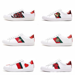 Wholesale cotton fruit - Mens designer luxury shoes Casual Shoes white women sneakers good embroidery bee cock tiger dog fruit on the side with OG box