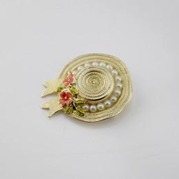 свадебные шляпы Скидка Новая мода модные женщины брошь Pin 18k желтое золото покрытием цветок Жемчужина Hat дизайн Pin брошь для девочек женщин партия свадьба хороший подарок