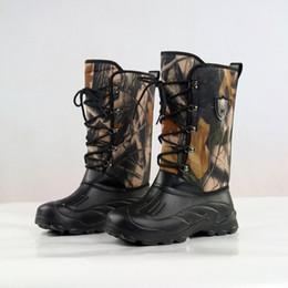 2019 scarpe da caccia Scarpe da pesca impermeabili termiche ad alta temperatura da uomo Outdoor Hunting Camping Arrampicata da sci Antiscivolo caldo ultraleggero Stivali addensati sconti scarpe da caccia