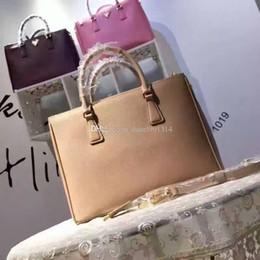 Damas cuero genuino bolsos venta online-2018 diseño clásico P moda venta caliente dama liso cuero genuino bolso OL mujer Saffiano totes hombro bandolera bandolera tamaño 33 cm