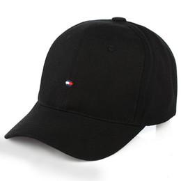 2018 La Marca Snapback Caps 3 Colores Strapback Gorra de Béisbol Niños  Niñas Hip-Hop Sombreros de Polo Para Hombres Mujeres Sombrero Ajustable  Negro Rosa ... 6883baf760b